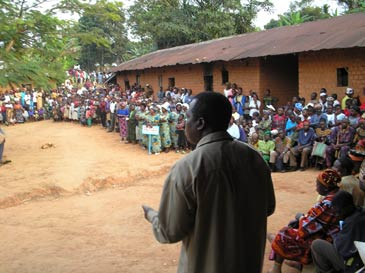 Dr Achu addresses villagers